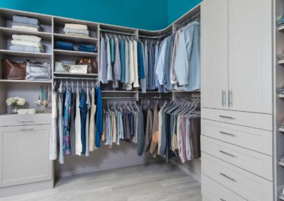 classica-century-gray-bedroom-(14)