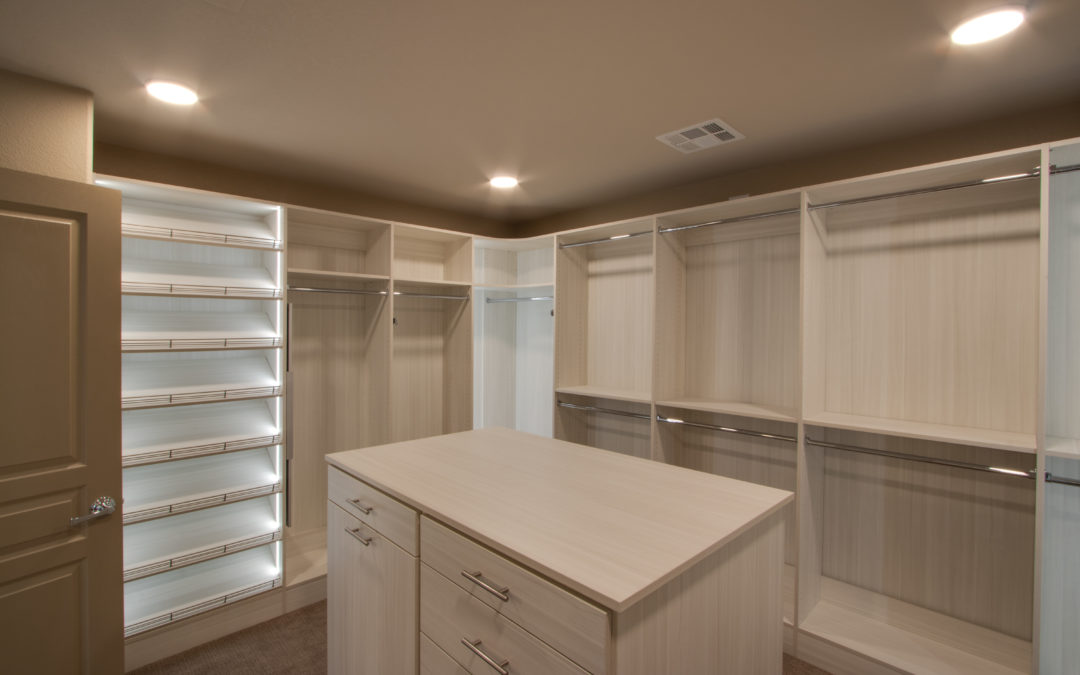 FIVE KEYS TO DESIGNING A WALK-IN CLOSET
