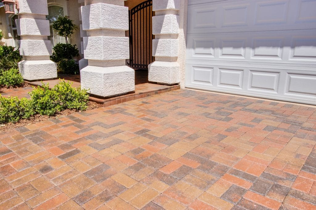 Results of the best concrete floor coatingfor a driveway by Closets Las Vegas