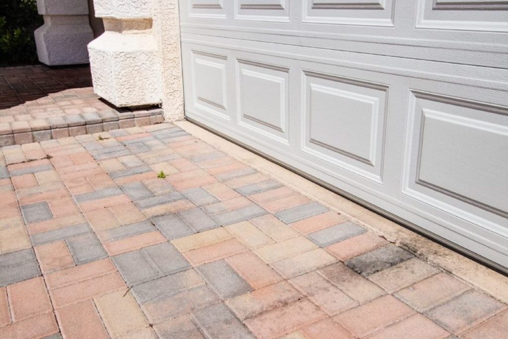 Closer look of a Las vegas residential home driveway before concrete floor coating