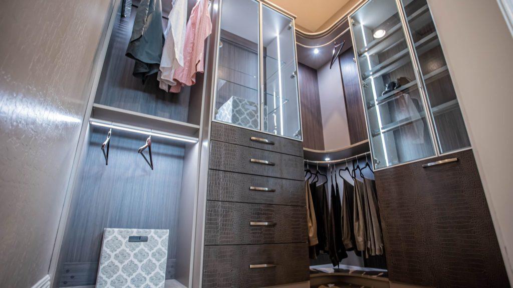 Las Vegas high end custom closets for him with modern design