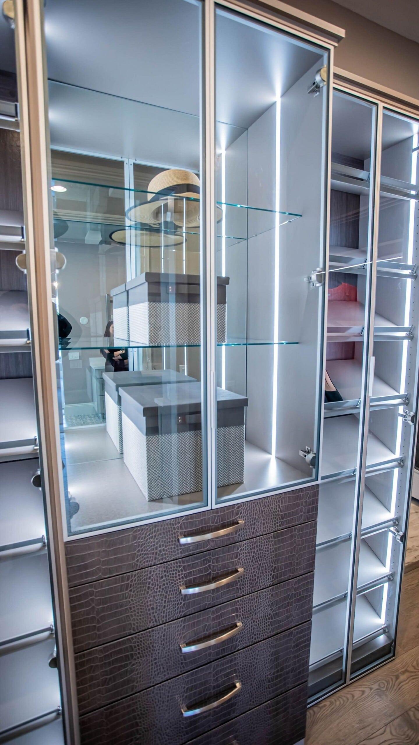 crocodile texture custom drawers and cabinet and shoe rack aluminium framed glass doors